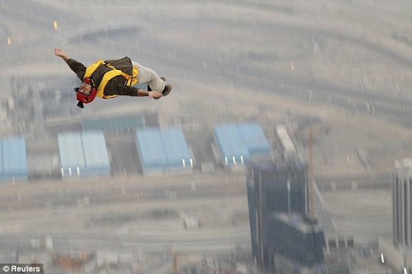 Salto Base en el Burj Khalifa