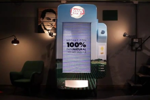 The Lays Machine: La maquina expendedora de papas fritas