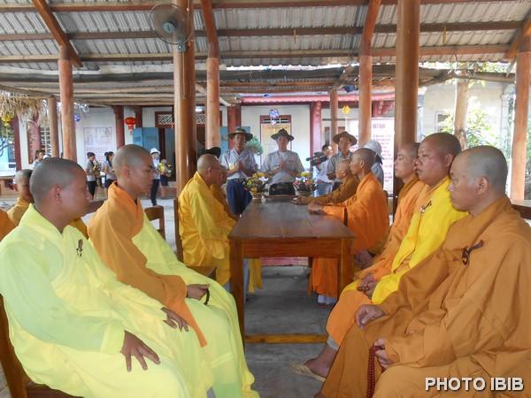 Gia Đình Phật tử khánh chúc Tự Tứ tại Tu viện Long Quang