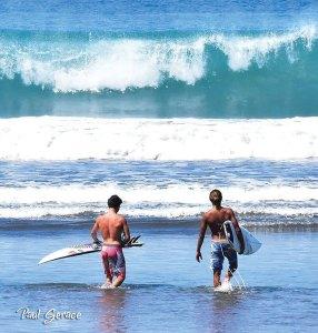 2 surfers