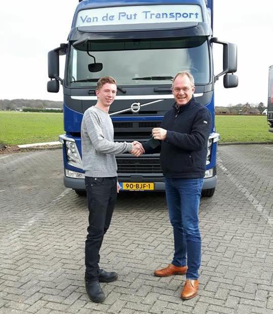 Belettering vrachtwagen Van De Put Transport