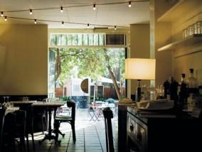 FRAGMENTS CAFE 3TERRAZA ROMÁNTICA que se cuece en bcn restaurantes románticos para san valentin barcelona