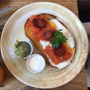 restaurante-bloom-bcn-bistrot-cafeteria-que-se-cuece-en-barcelona-planes-1-3