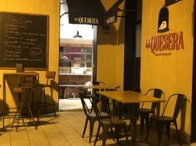 Restaurante La Quesera Barcelona fondues raclettes que se cuece en Bcn (42)