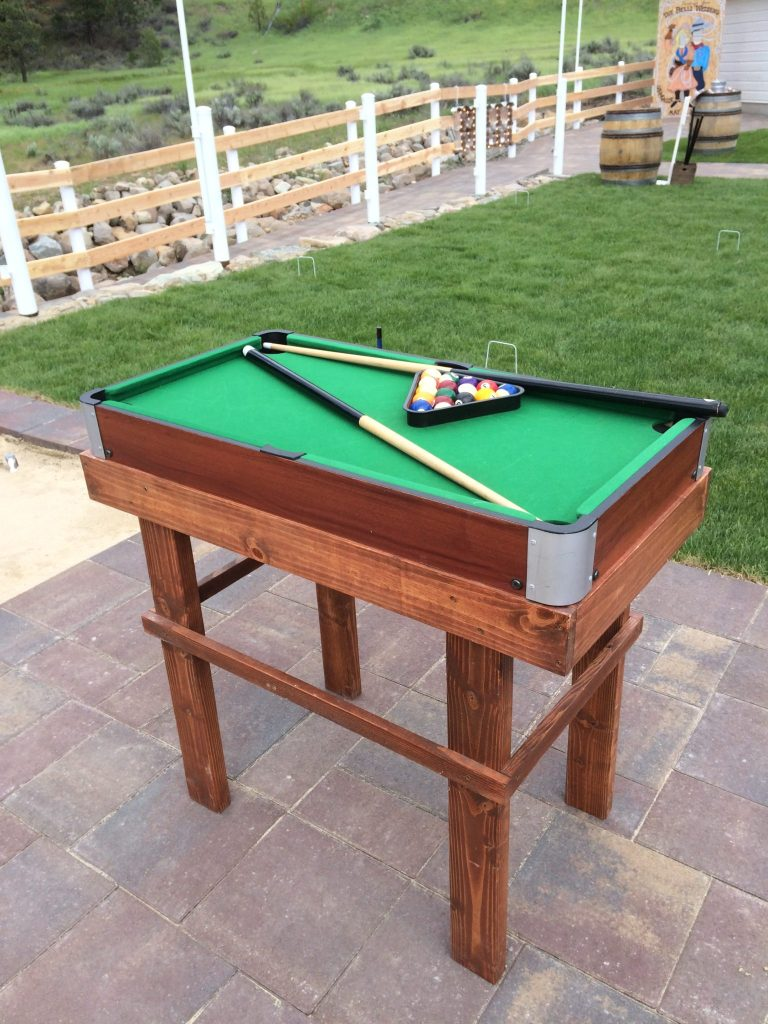 Mini pool table $15