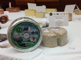 Queso azul mezcla de leche de oveja y cabra de El Cabriteru premio World Cheese Awards