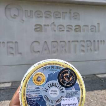 queso azul de oveja de la Quesería artesanal El Cabriteru