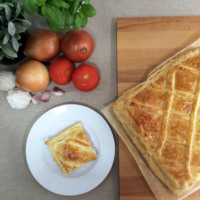 empanada-hojaldrada-de-carne-00