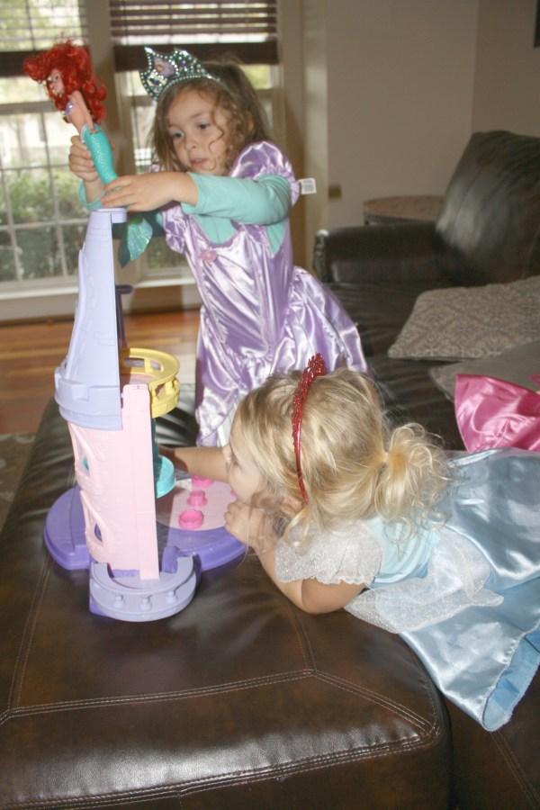 Princesses Sharing #DisneyBeauties #shop