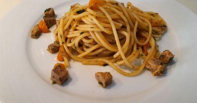 Spaghettoni, Lattume di Tonno e Pomodori Datterini Gialli
