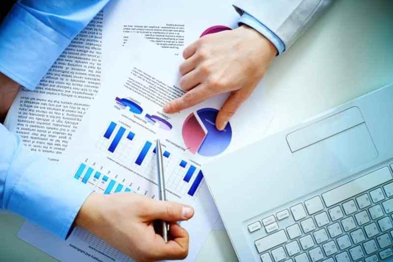 ¿Se puede combinar encuestas online con otras metodologías?