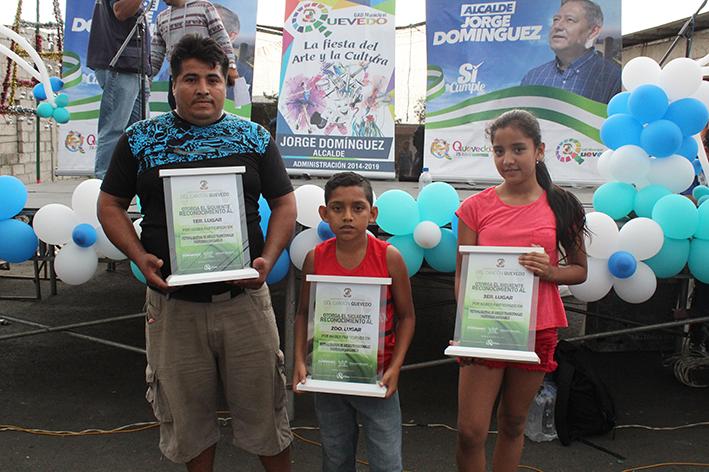 foto 5.- Jairo Loor, Edwin Ponce y Kerly Apraez