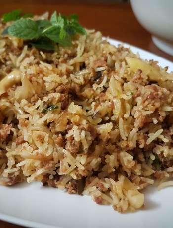 Mom's Rice Cooker Mutton Keema Pulao / www.quichentell.com