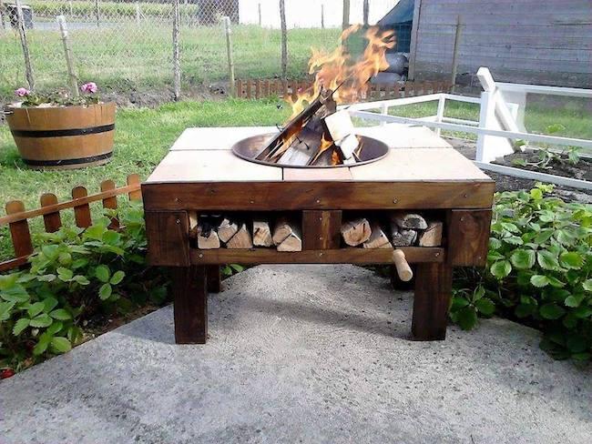 DIY pallet fire pit