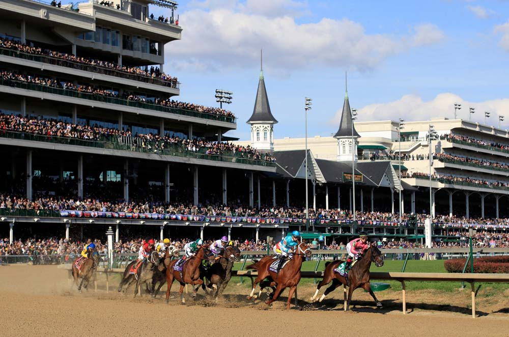 LOUISVILLE, KY - NOVEMBER 03: The field runs the first turn in the Breeders' Cup Distaff during day 2 of the Breeders' Cup at Churchill Downs on November 3, 2018 in Louisville, Kentucky.   Andy Lyons/Getty Images/AFP