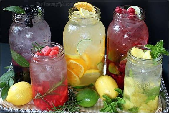 מים טבעיים בטעמים לדיאטה