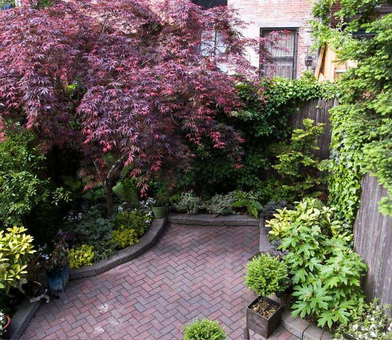 55 Small Urban Garden Design Ideas And Pictures: Quiet Corner:Small Urban Garden Design Ideas