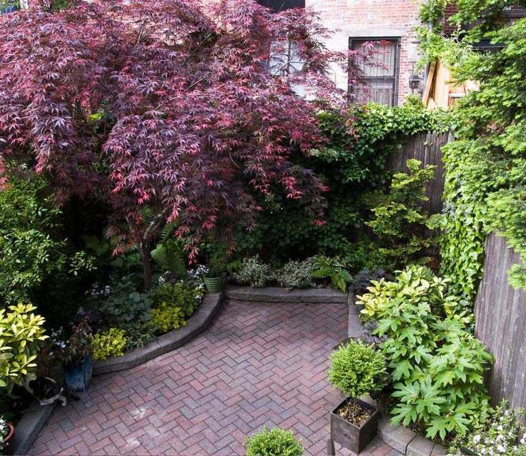 25 Small Urban Garden Design Ideas: Quiet Corner:Small Urban Garden Design Ideas