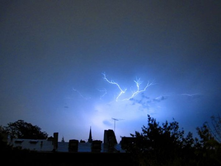 extraordinary natural phenomena lightning