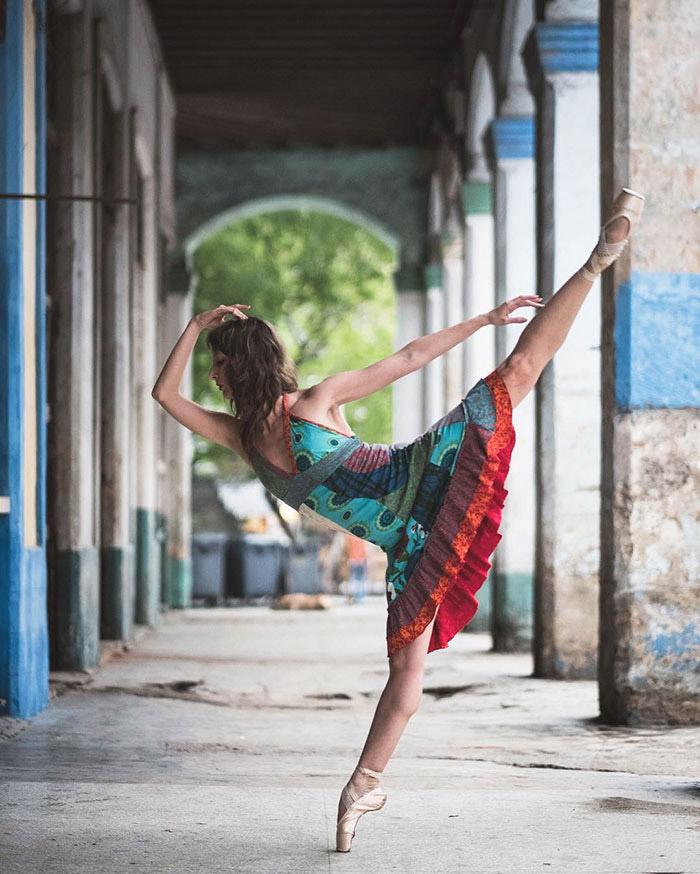 Ballet Dancers On The Streets Of Cuba