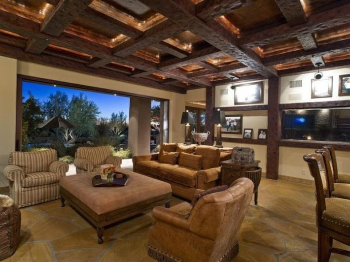Living Room Designs With Exposed Beams (10)
