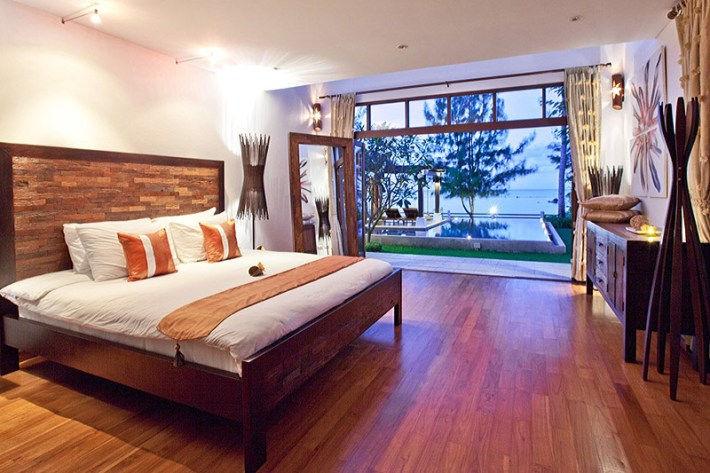 Master Bedrooms with Amazing View (2)