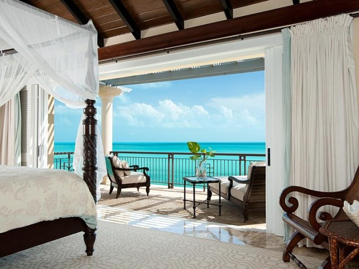 Master Bedrooms with Amazing View (4)