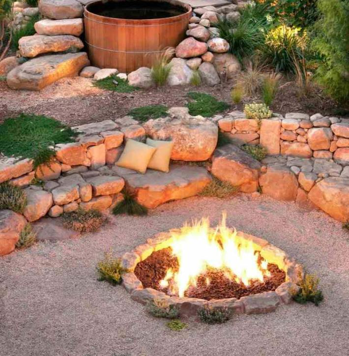 Outdoor Fire Pit Seating Ideas (16)