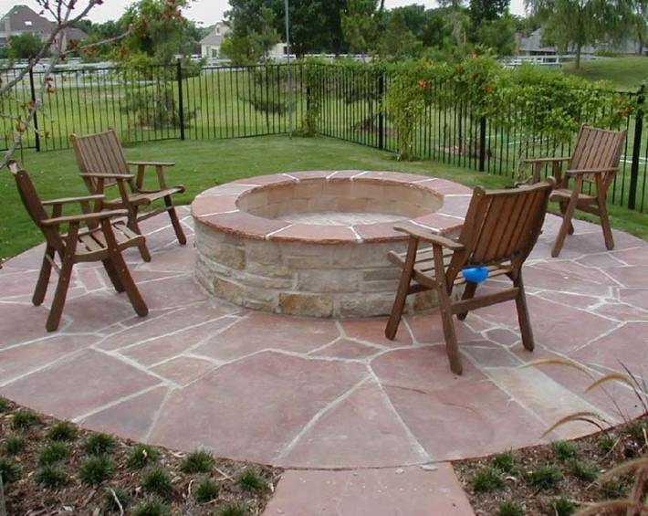 Outdoor Fire Pit Seating Ideas (8)