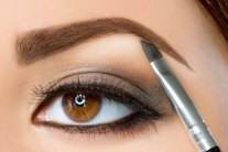 5 Common Eyebrows Makeup Mistakes