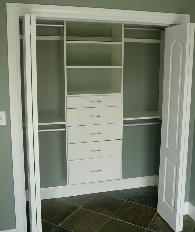 Quiet Corner:Cute Small Closet Ideas
