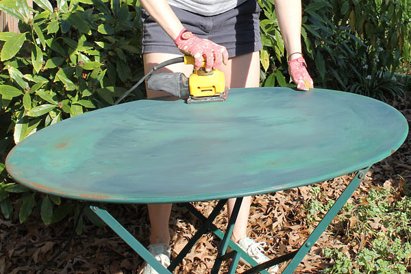 How to Paint Outdoor Furniture?