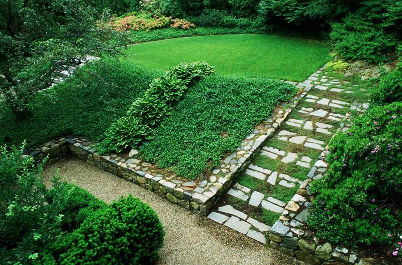 Quiet Corner:Sloping Garden Design Ideas - Quiet Corner