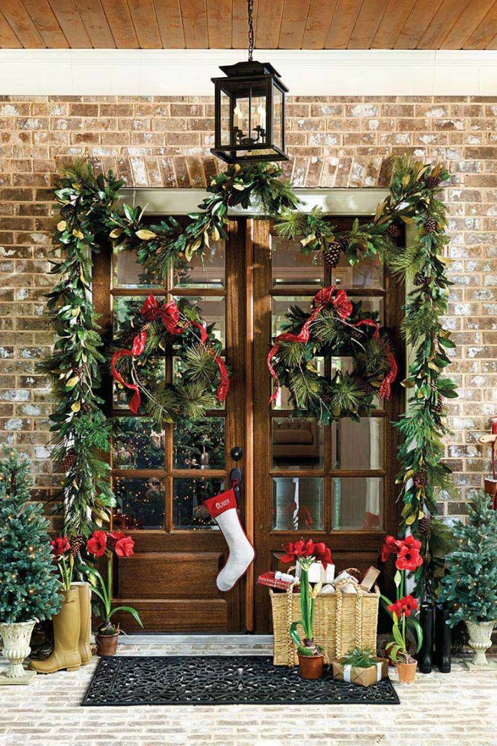 Christmas Front Door Decorations