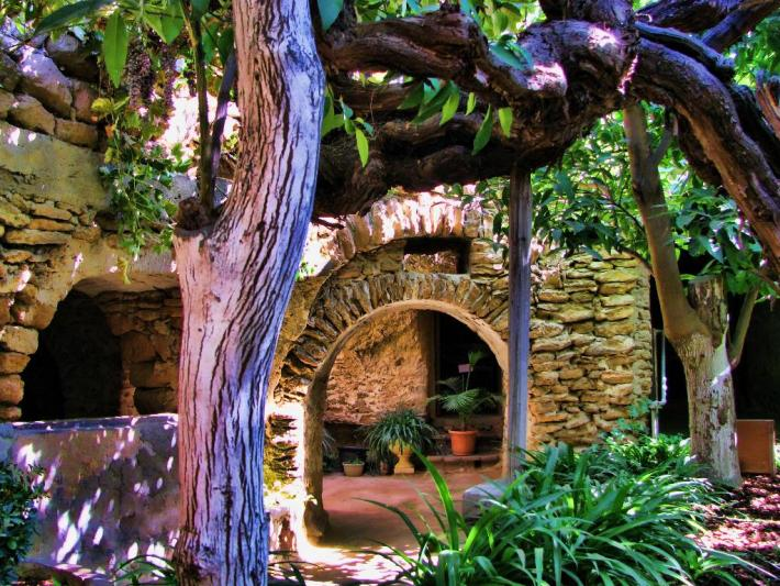 9 Real-Life Fairy Tale Gardens