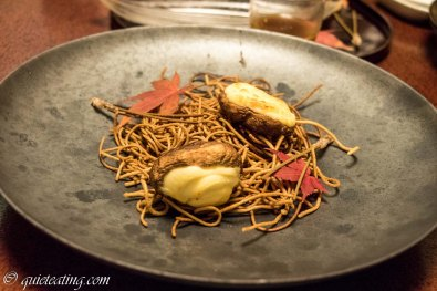 Fried noodles with mushrooms as a little snack