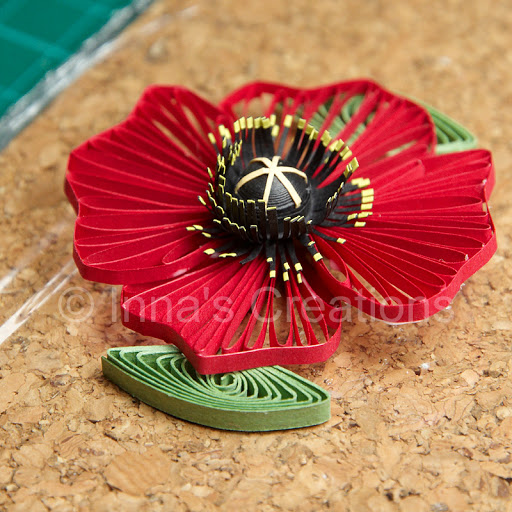 paper quilled husking poppy tutorial