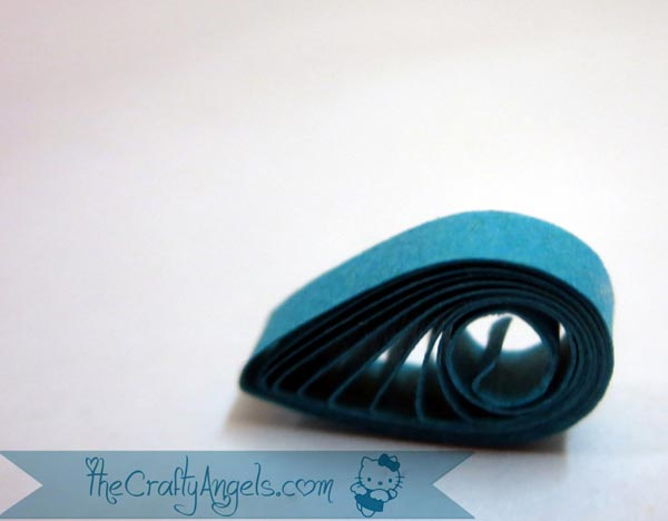 basic quilling - making a paper quilled teardrop