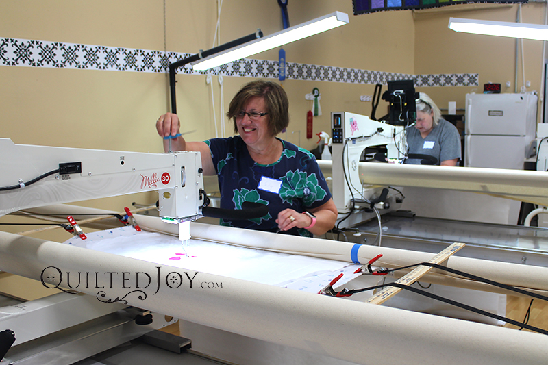beginner longarm free motion quilting class by Angela Huffman