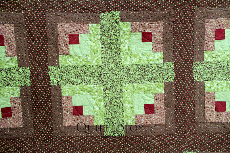 Don't you love the earthy tones in Karen's log cabin quilt?