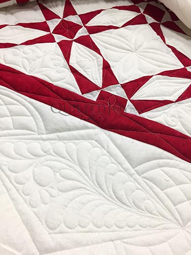 Patriot Quilt by Angela Huffman close up of the border quilting