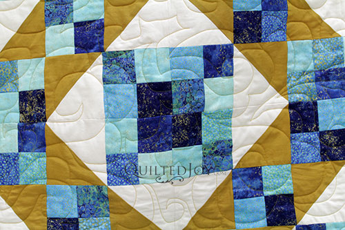 Cascade Pantograph on Judy's Sunny Skies Quilt