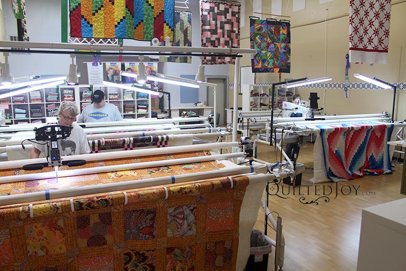 Longarm Quilting Machine Rental Program at the Quilted Joy Longarm Quilting Machine Showroom