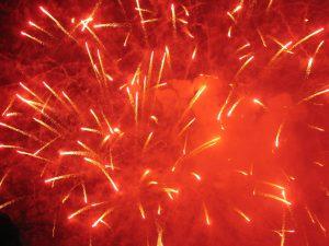 fuegos artificiales rojo estroncio