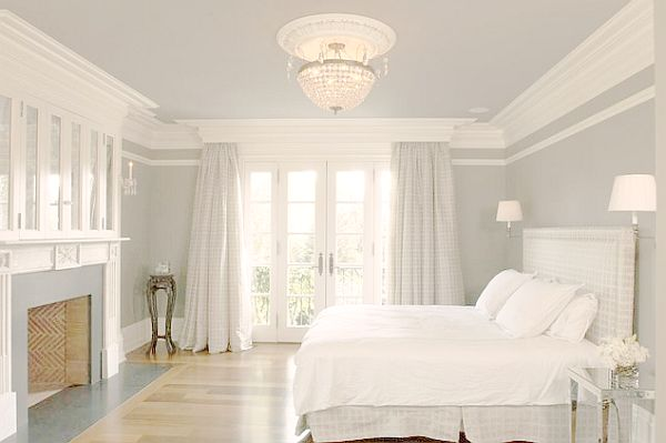 Charmant White English Country House Bedroom With Crown Molding Quinju.com    Quinju.com
