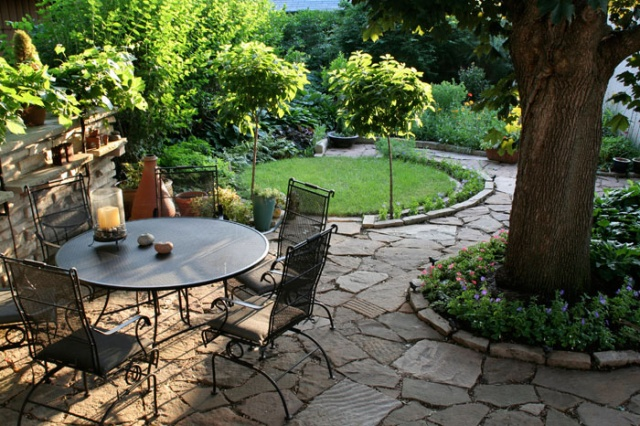 backyard-landscaping-spring-project-ideas-quinju.com