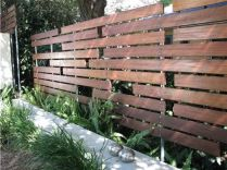 Fence / wood / privacy / mark boundary / landscape feature / quinju.com