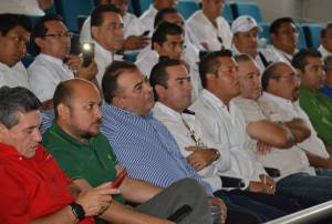Taxistas presentan aplicación digital Nekso en Cancún
