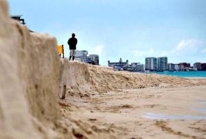 Suspenden centro de monitoreo de recuperación de playas