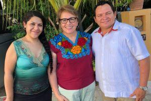 @Laura Beristain Navarrete en reunión con propuestas de Amlo para coordinar programas federales